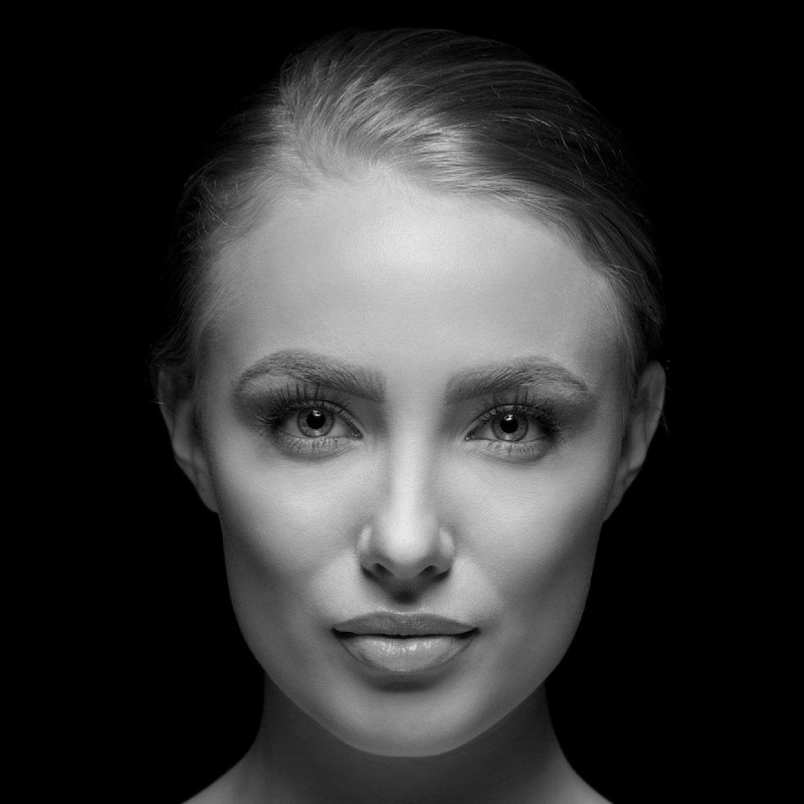 face-bw-800x800